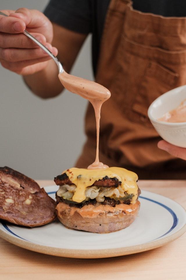 Délicieuse sauce pour hamburger